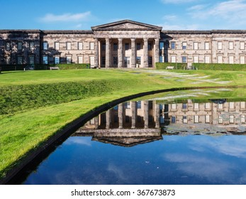 The front of the classical looking building of the Scottish National Gallery of Modern Art in Edinburgh, Scotland