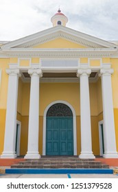 front facade of school in old san juan puerto rico