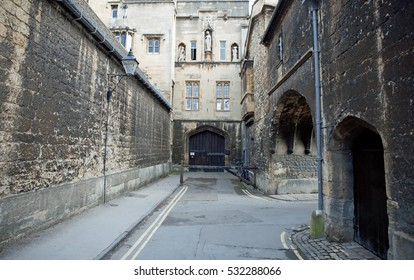Front gate to the New College in Oxford, New College Lane, UK