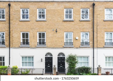 Front of Georgian style terrace houses in London, UK
