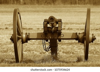 Front shot of Civil War cannon