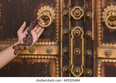 Antique Brass Knob On Wooden Door Stock Photo Royalty Free
