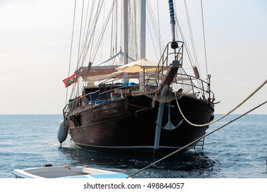 Front view, bow of vintage wooden sailing ship
