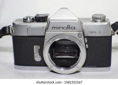Front view of a Minolta SR-1 35mm camera