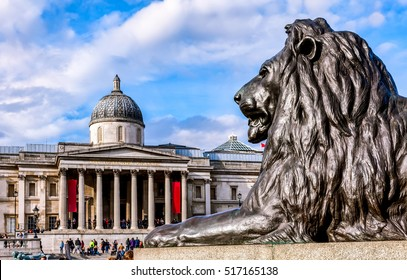 Front view of National Gallery London with bronze lion in the foreground.