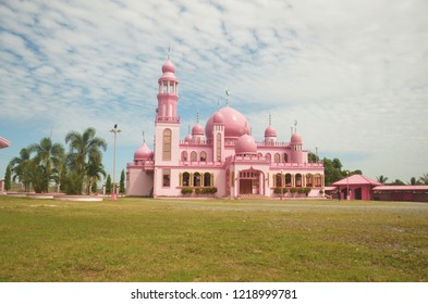 Front view of a pink mosque in the Philippines