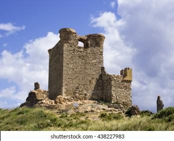 A front view of Quel castle
