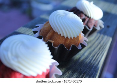 Frosted Holiday Mini Bundt Cakes