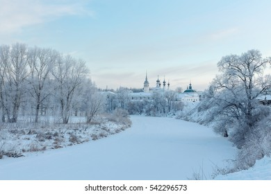 Frosty morning winter landscape in Suzdal, Russia.