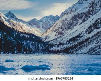 "Frozen ""Lac de Gaube"" in French Pyrenees"