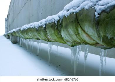 The frozen pipeline.Building construction.Conception.