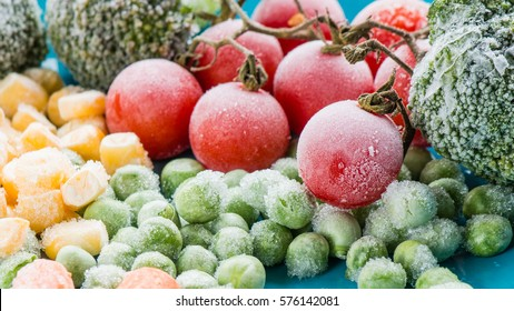 frozen vegetables: broccoli, cherry tomatoes, corn, pea, carrot