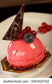 fruit cake blueberry, fruit overflow