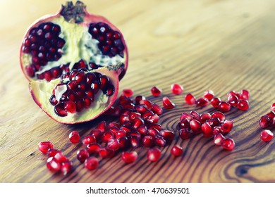 fruit fresh red pomegranate seeds