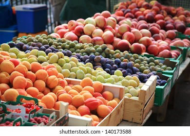 fruits and vegetables in season, local market provence france