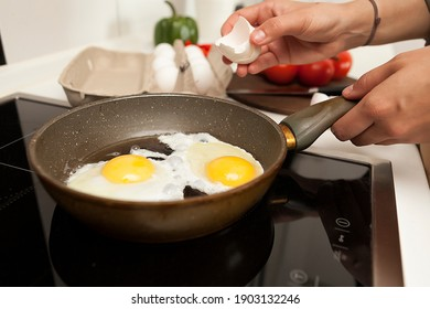 frying eggs, home cooking, fried eggs