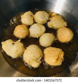 frying Oliebollen in the pan