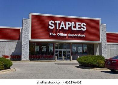 Ft. Wayne, IN - Circa July 2016: Staples Inc. Retail Location. Staples is a Large Office Supply Chain V