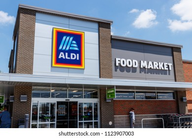 Ft. Wayne - Circa June 2018: Aldi Discount Supermarket. Aldi sells a range of grocery items, including produce, meat & dairy, at discount prices V
