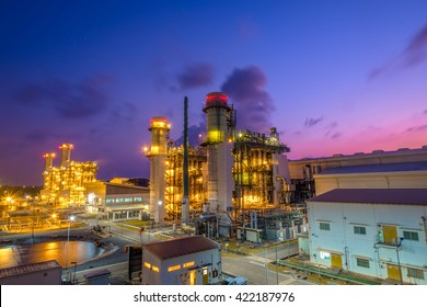 Fuel gas combine cycle power plant with twilight sky