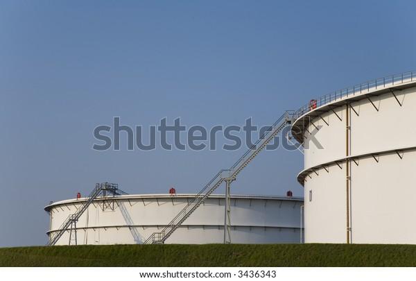 Fuel storage 6