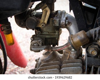 The fuel tap, of a 4-stroke motorcycle, transports fuel into the engine system. Oil from the tank to the carburetor In addition, the fuel tap can trap sludge and water mixed with the fuel.