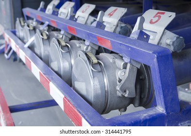 Fuel valve of fuel delivery truck