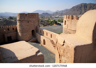 Fujairah Fort - erected 1670 it is the oldest fortress in the united arab emirates and the founding place of Fujairah