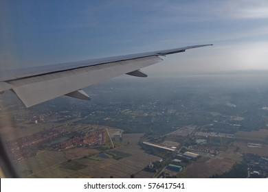 Full Extended, Approach to runway airport with evening sky, flight, Don Muaeng airport, Thailand