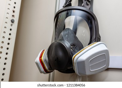 Full face mask multi-purpose respirator with cartridge for breathing in abnomal air or toxic gas in environmental
