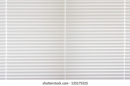 Full frame closed venetian blind