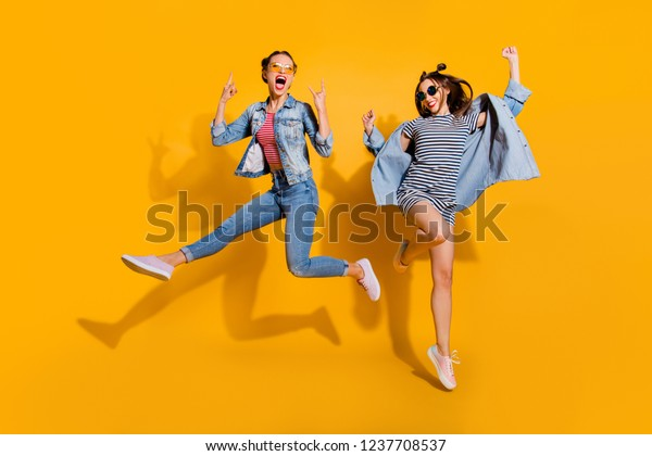 Attractiveeditar Sobre Two De Ahora Stock Legs Size Foto Full Body POZikXuT