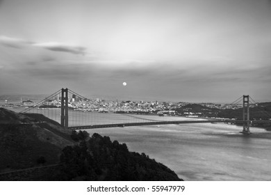 A full moon rises over downtown San Francisco. Another example of Northern Californian beauty. Nothing fake about this photograph.
