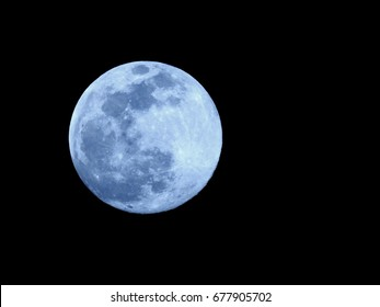 Full Moon or Super moon / The Moon is the fifth-largest natural satellite in the Solar System, and the largest among planetary satellites relative to the size of the planet that it orbits