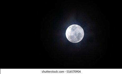 Full Moon / A Super moon happens when a Full Moon or New Moon coincides with the Moon's closest approach to Earth. It also called perigee