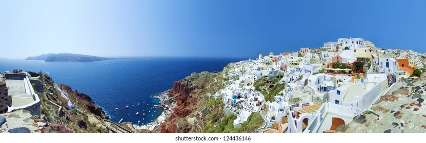 Full panorama of Oia (Santorini, Greece)
