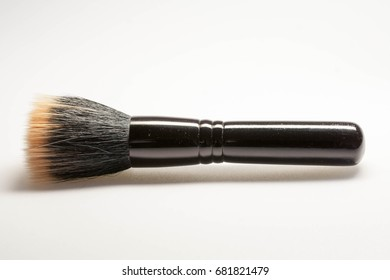 Full size professional make-up brush for face