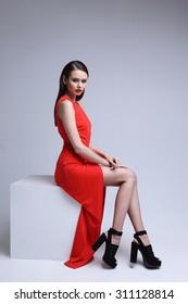 Imágenes Fotos De Stock Y Vectores Sobre Chica Vestido Rojo
