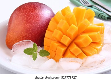 Fully ripened mango from Miyazaki Prefecture in Japan/ Mango