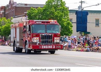 New York City Fire Department Images, Stock Photos & Vectors