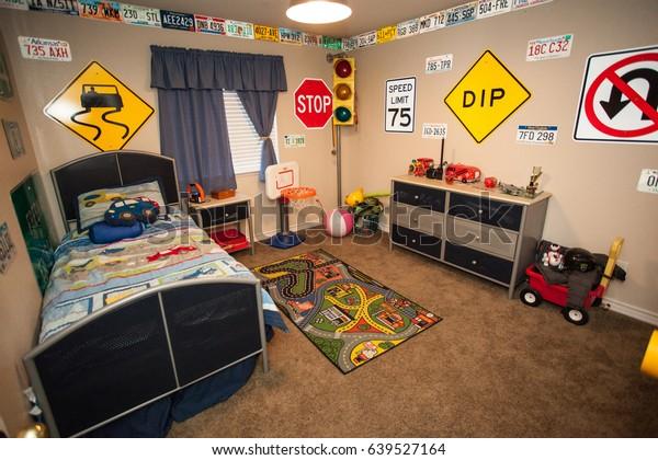 Fun Boys Car Transportation Themed Room Stock Photo Edit Now 639527164