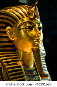Funeral mask of Pharoah Tutankhamun, Egypt.
