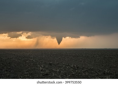 The funnel cloud preceeding the Rozel, Kansas EF-4 Tornado
