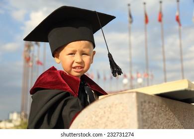 funny kid graduate