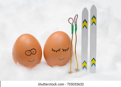 Funny lovely eggs with ski in snow
