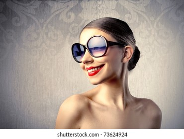 Funny woman with sunglasses