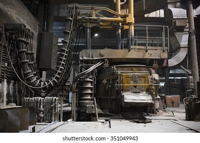 furnace operating a foundry, poor light