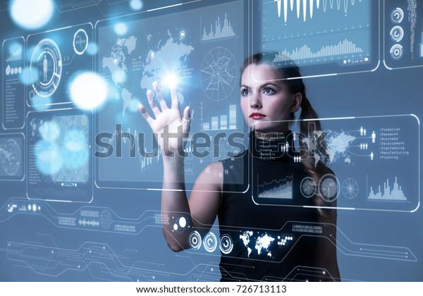 Futuristisches User Interface-Konzept. Grafische Benutzeroberfläche (GUI). Head-up Display (HUD). Internet der Dinge.
