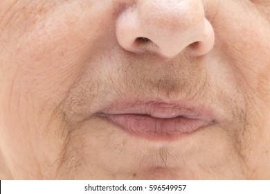 Fuzz face in a aged women