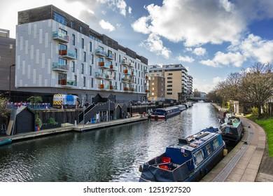 Gainsborough Wharf on Regents Canal in London near Shoreditch Park